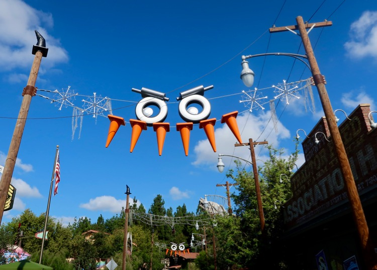 Visiting Disneyland in the Fall