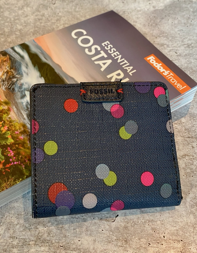 My Favorite Fossil Wallet + Flash Sale with up to 70% off