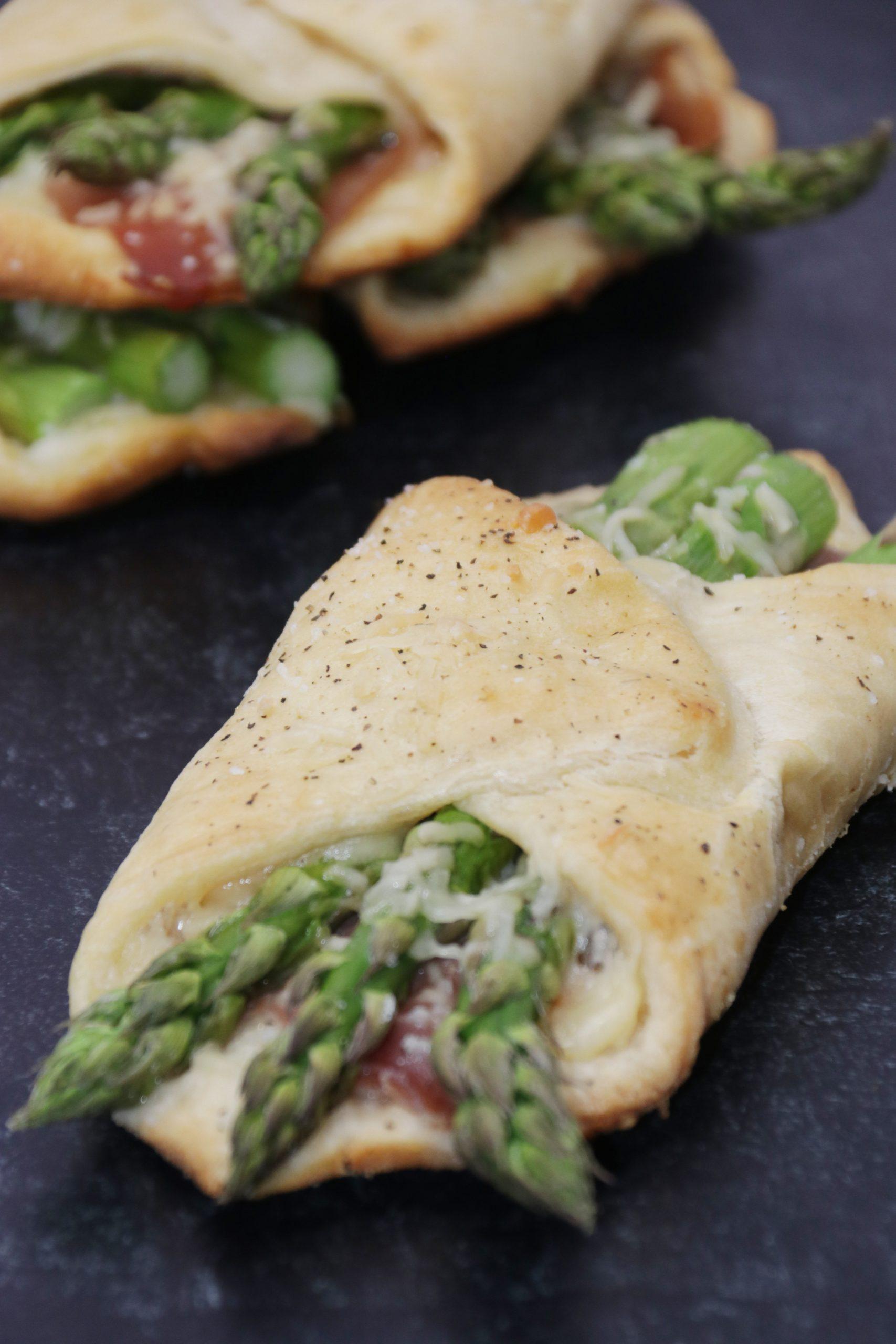 Prosciutto Asparagus Pastry Bundles